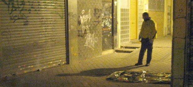 Mata a su mujer a golpes con un jarr n y se tira de un - Pisos en barrio del pilar ...