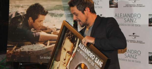 Disco de oro para Alejandro Sanz