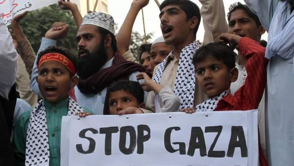 Gritos contra la ofensiva israelí
