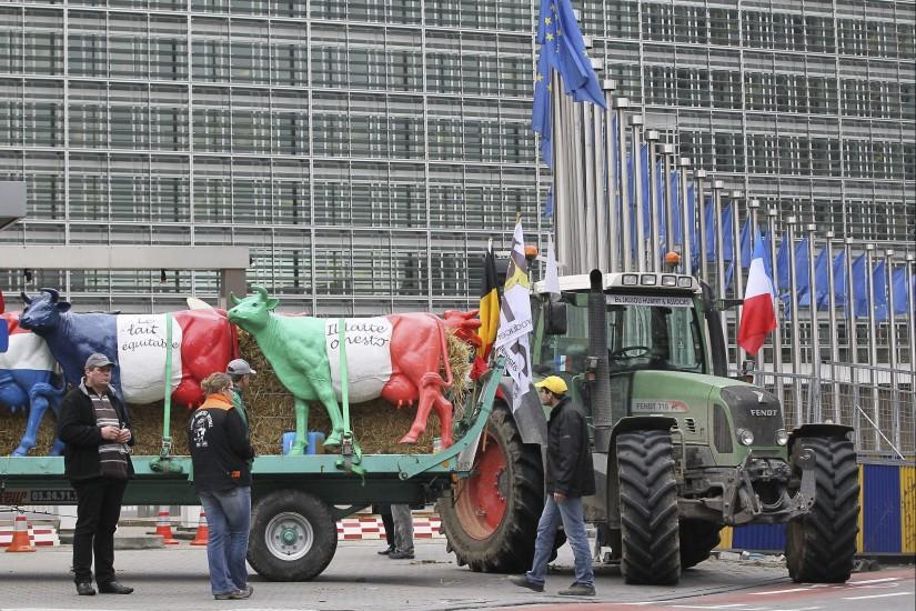 Protesta de lecheros en Bruselas