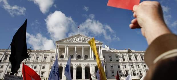 Tarjeta roja a los presupuestos de Portugal