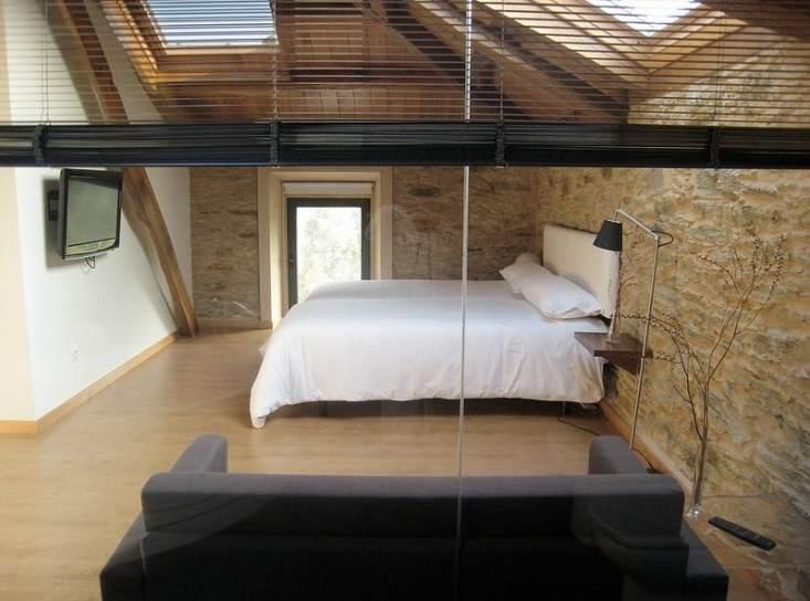un dormitorio en una buhardilla siempre tendr ms encanto flickrelcastanodormilon