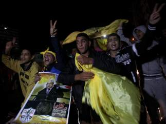 Fiesta en Gaza con carteles de Mahmoud Abbas
