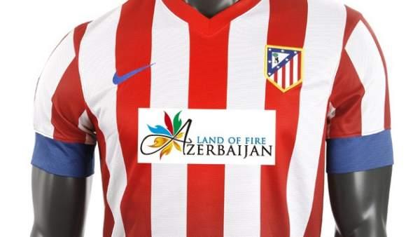 El Atlético lucirá  Azerbaijan  en su camiseta en el derbi 4b86d62fdc351