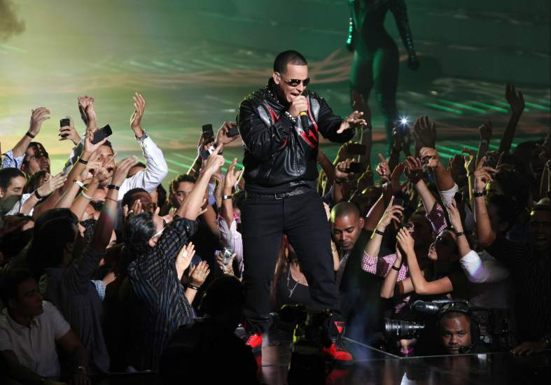 Cuba prohibira el reggaeton y el perreo