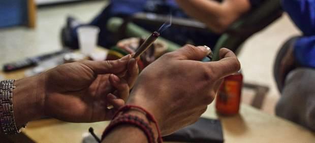 Fumadores de cannabis en La Maca