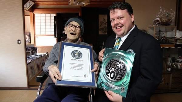 La persona más anciana recibe el Guinness