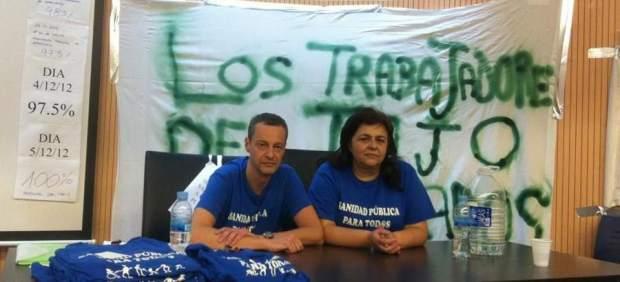 Médico y enfermera en huelga de hambre