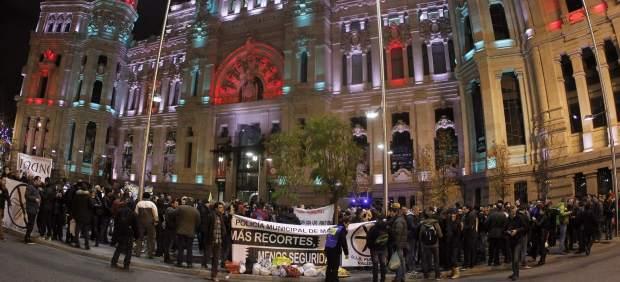 Protesta policías y bomberos del Ayuntamiento de Madrid