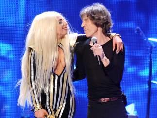 Lady Gaga en escena con Mick Jagger