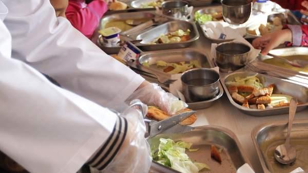 70.000 niños de Madrid han perdido la beca de comedor por los ...