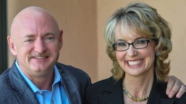 Gabby Giffords y su marido, Mark Kelly