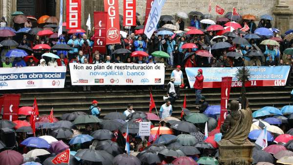 La huelga en novagalicia logra cerrar casi todas sus for Novagalicia horario oficinas