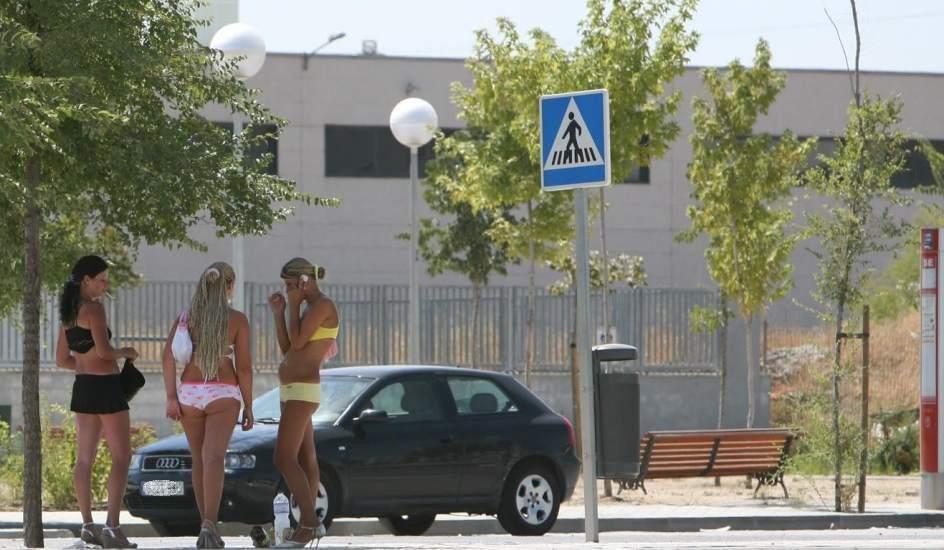 prostitutas transexuales en la calle prostitutas envalladolid