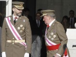 Con su heredero, el príncipe Felipe