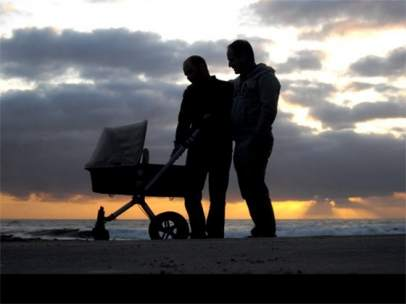 El TSJM avala la prestación por maternidad para un homosexual, padre por 'vientre de alquiler'