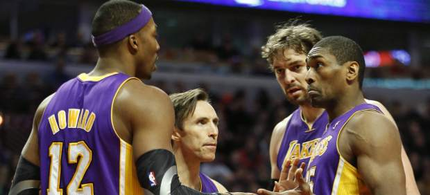 Gasol, Nash, World Peace y Howard, de Lakers