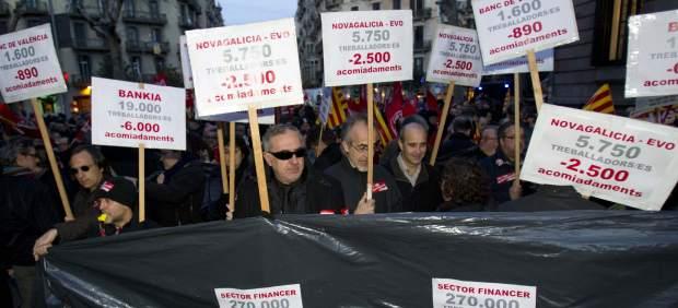 Protesta empleados de banca