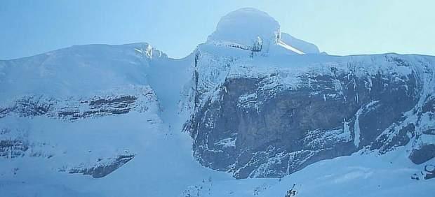 Muere un joven francés practicando snowboard en una zona sin balizar de Candanchú
