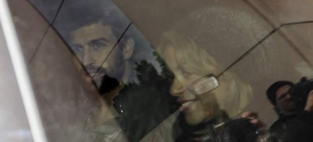 Shakira y Pique abandonan el hospital