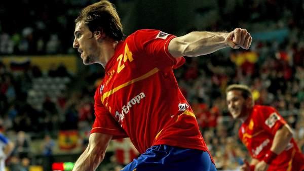 Vilan Morros celebre una gol en el Mundial de Balonmano.