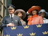 El rey Gustavo de Suecia y su familia