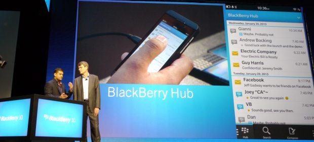 BlackBerry quiere resucitar: presenta un nuevo sistema operativo y dos terminales