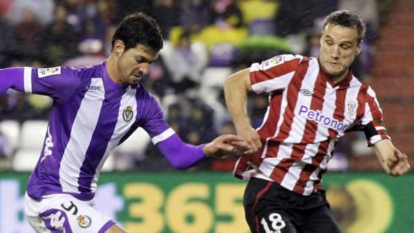 Javi Guerra y Gurpegi en el Valladolid - Athletic