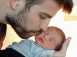 El futbolista Gerard Piqu� y su hijo, Milan