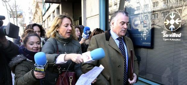 Bárcenas huye de la prensa