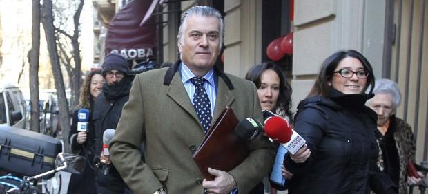 Luis B�rcenas