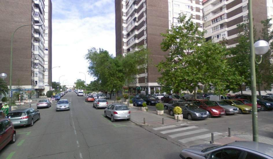 Una fuga de agua permite encontrar el cad ver momificado - Pisos barrio del pilar madrid ...