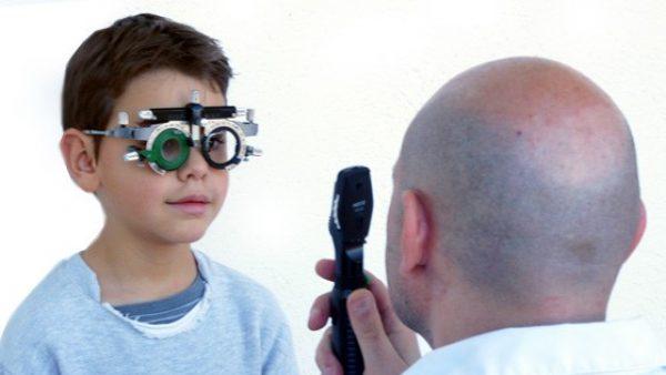 7cb718ed61 La mitad de los niños que necesitan gafas no las usan por desconocimiento  de sus padres