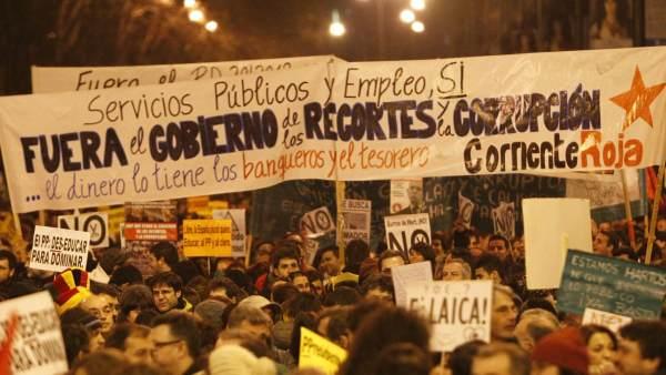 'Fuera el Gobiermo de los recortes y la corrupción'
