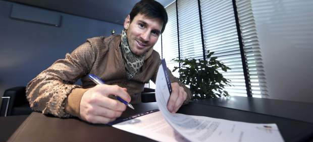 Messi firma su contrato