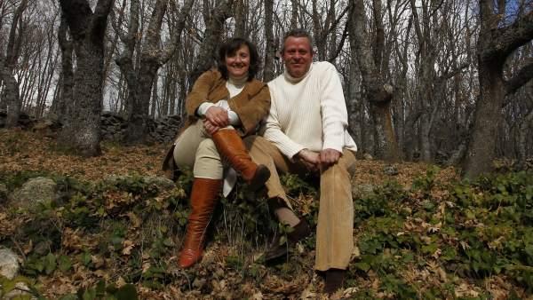 Pamela y Juan Carlos en su robledal