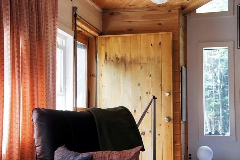 Decoracion de paredes con madera elegant fuente with - Puertas hasta el techo ...