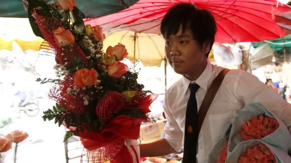 Preparativos para el Día de San valentín en Tailandia