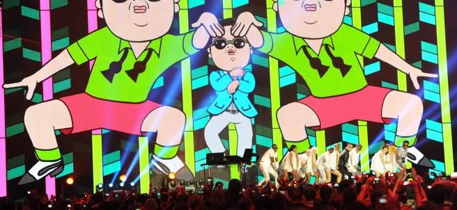 Psy en una actuación de Gangnam Style
