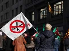 Protesta de funcionarios en Barcelona contra los recortes