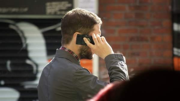Los móviles perjudican la fertilidad masculina si se llevan en los bolsillos del pantalón