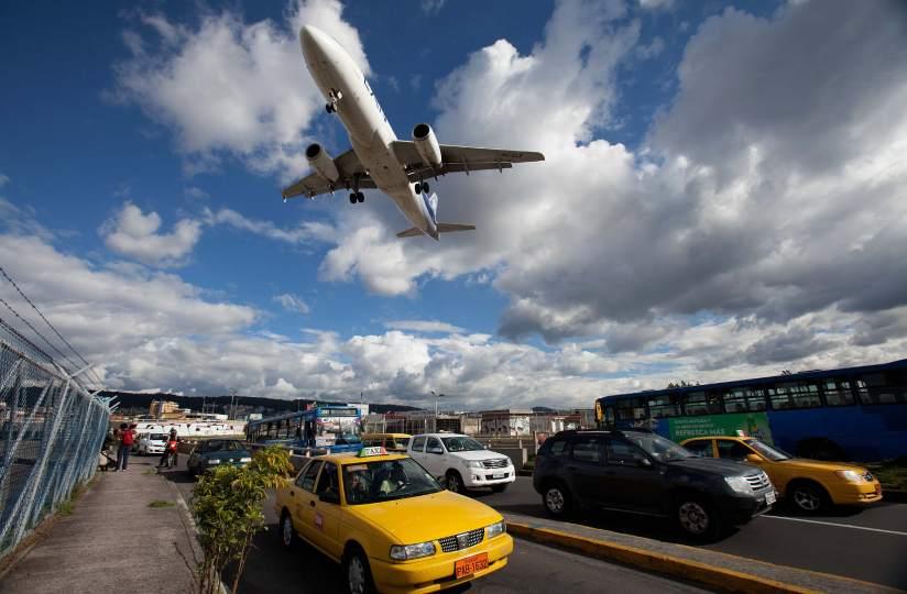 Cierre del aeropuerto Marical Sucre
