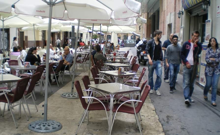 El 87 de los bares con terrazas cerradas incumplen la ley for Donde queda terrazas