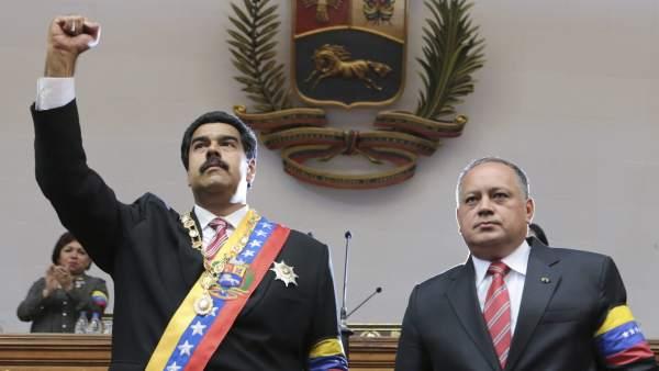 Maduro jura como presidente 'encargado'