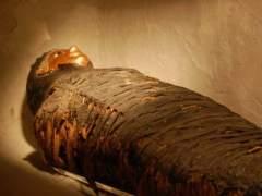 Hallan en Egipto cuatro tumbas con momias de ni�os de hace m�s de 5.000 a�os