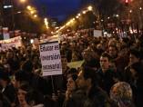Cientos de personas se manifiestan contra los recortes en Educación