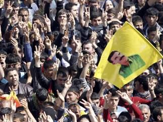 Kurdos celebran el Año Nuevo Persa en Diyarbakir
