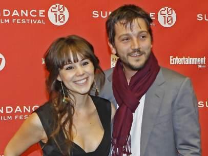 Diego Luna y su esposa, la también actriz Camila Sodi, en 2010.