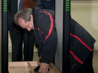 Juan Lanzas, al llegar a los juzgados