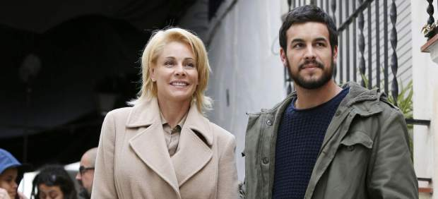 Belén Rueda y Mario Casas